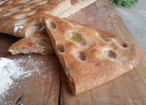 Ricette salate: focaccia di grano antico e lievito madre