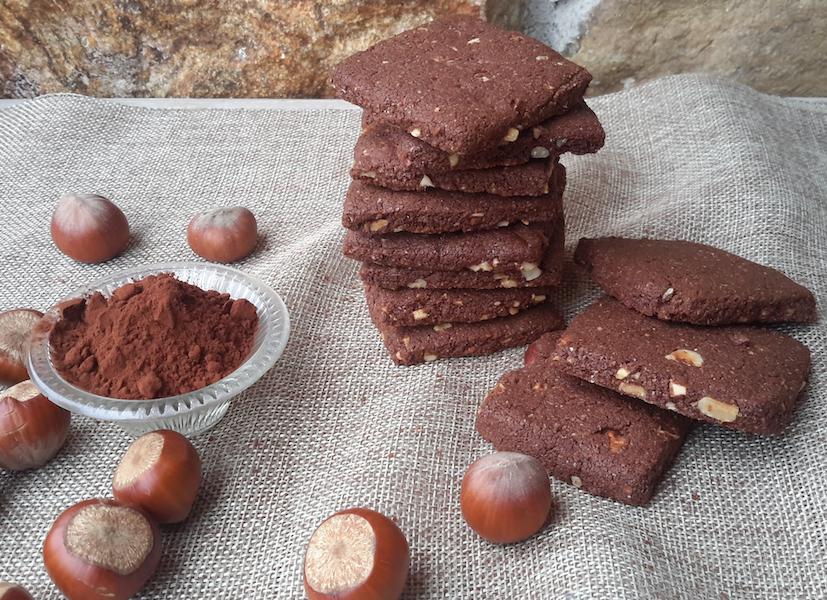 Biscotti TVTB vegani di grano antico cacao e nocciola